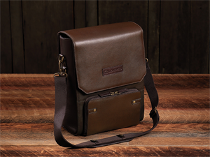 "Leather Flight Bag ""The DeLaurentis"""
